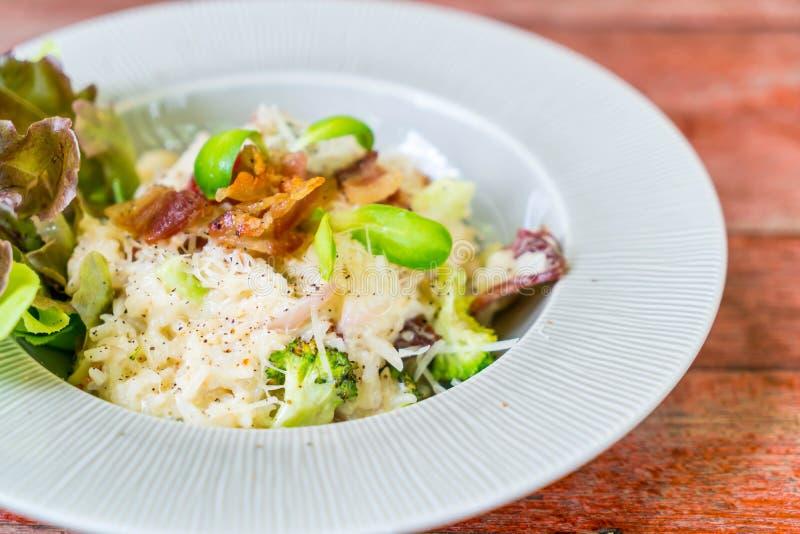 arroz del risotto con tocino fotografía de archivo libre de regalías