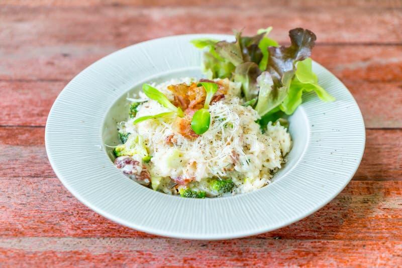 arroz del risotto con tocino fotos de archivo