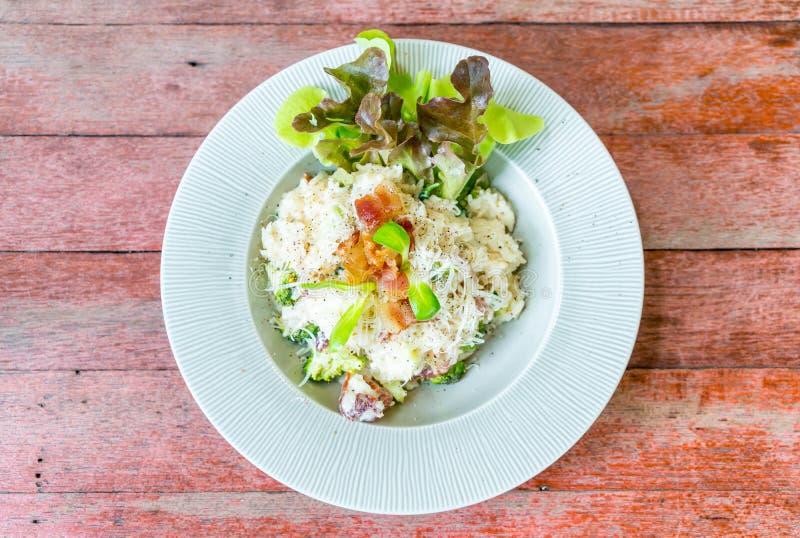 arroz del risotto con tocino fotos de archivo libres de regalías