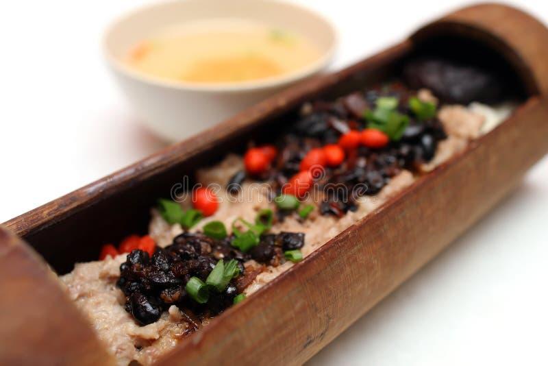 Arroz do bambu da galinha do feijão preto imagem de stock royalty free