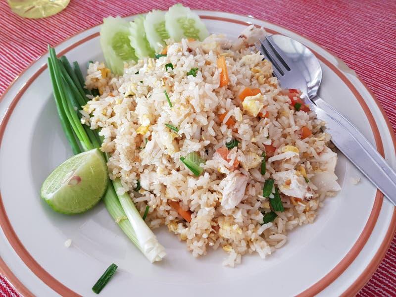 Arroz fritado tailandês com caranguejo imagens de stock royalty free