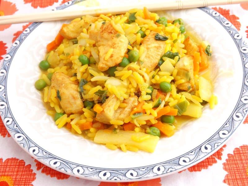 Download Arroz frito con el pollo foto de archivo. Imagen de cena - 42426910