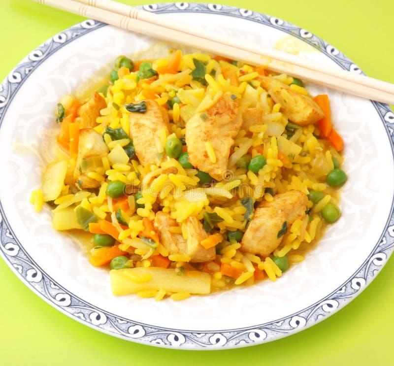 Download Arroz frito con el pollo imagen de archivo. Imagen de arroz - 42427377