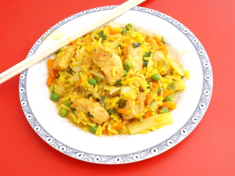 Download Arroz frito con el pollo foto de archivo. Imagen de comida - 42427416