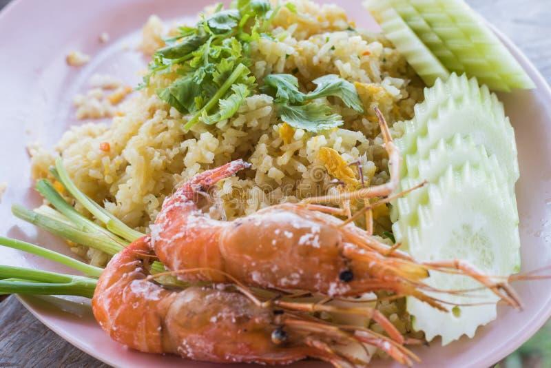 arroz frito y camarón cocido fotos de archivo