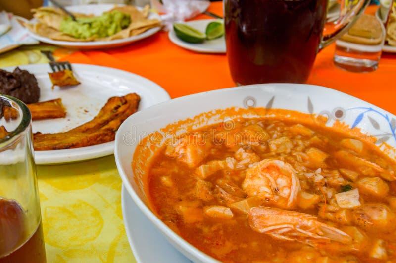 Arroz la tumbada,从韦拉克鲁斯有小菜的,拷贝空间的墨西哥美食 免版税图库摄影