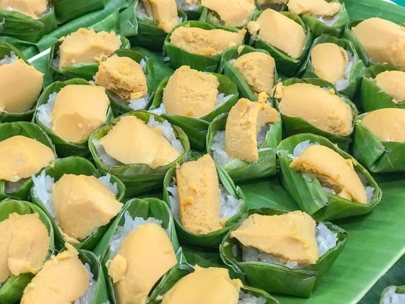 Arroz pegajoso dulce con las natillas tailandesas, postre tailandés fotos de archivo