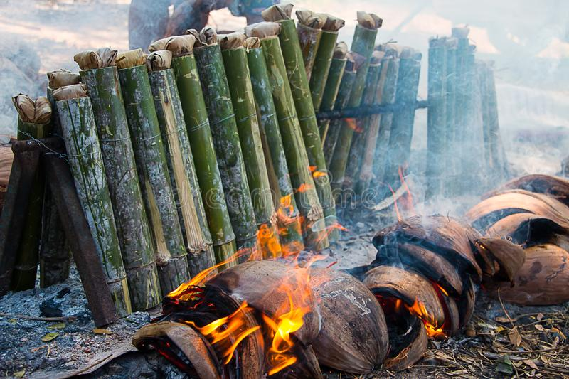 Arroz pegajoso en bambú foto de archivo libre de regalías