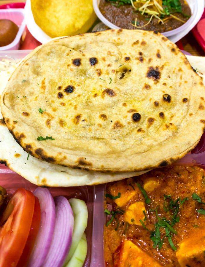 Arroz, pulsos, comida india del norte del pan plano imagen de archivo libre de regalías
