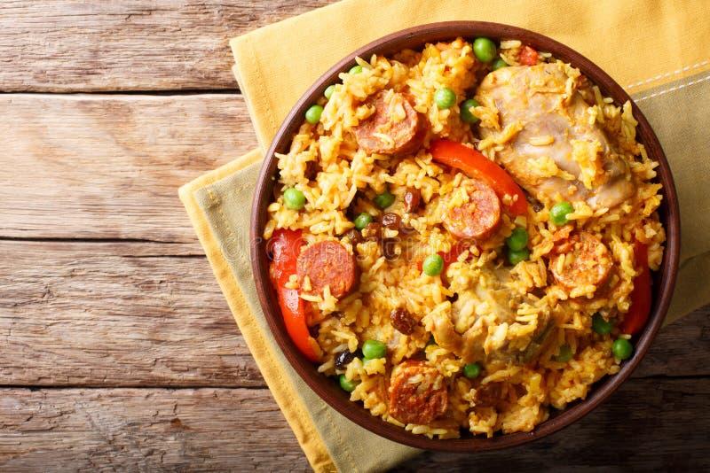Arroz Valenciana med ris, kött, korv, russin, grönsaker a royaltyfri fotografi