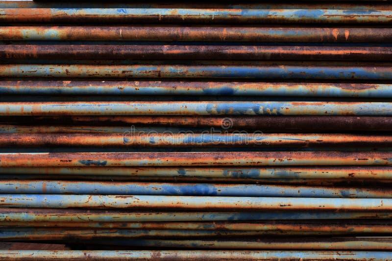 Arrugginito su attrezzatura di vecchia impalcatura per fondo fotografia stock libera da diritti