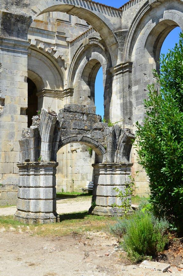 Arruina la abadía real del arround en el santo Jean d'Angely, Francia fotos de archivo libres de regalías