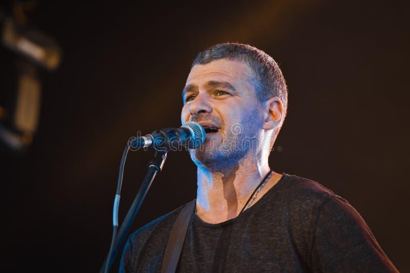 Arsen Mirzoyan, żywy koncert w Pobuzke, Ukraina, krople pot na twarzy, zbliżenie portret, 15 072017, redakcyjna fotografia fotografia royalty free