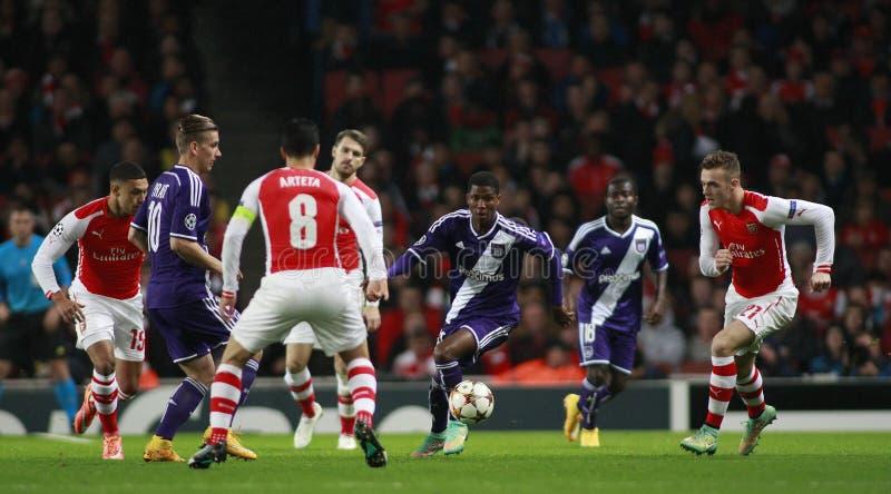 Arsenal v Anderlecht da liga de campeões de UEFA imagem de stock royalty free