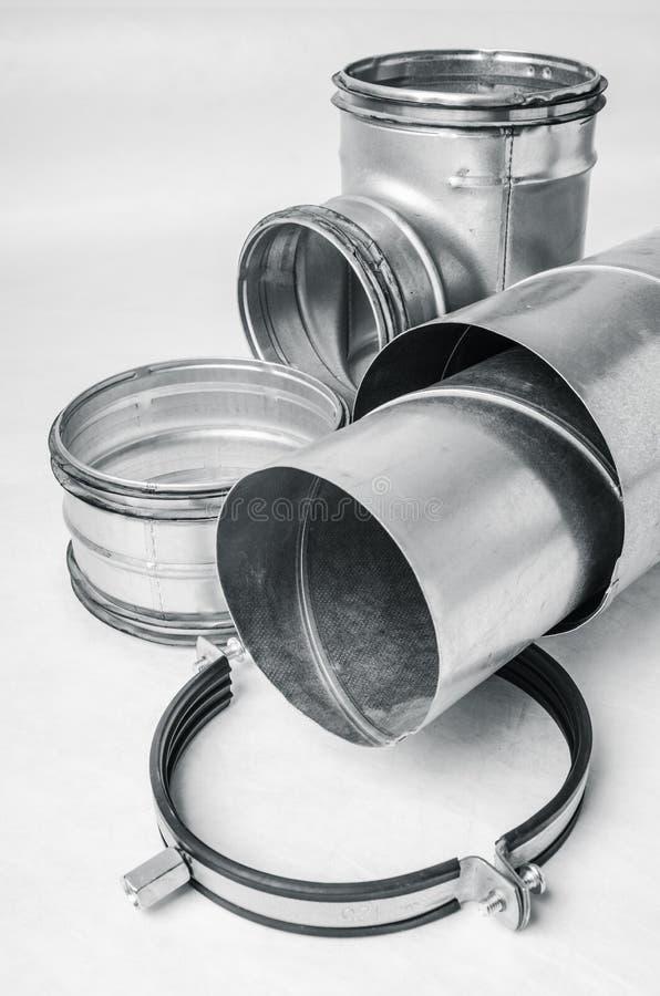 Artículos del sistema de ventilación en el fondo blanco foto de archivo libre de regalías
