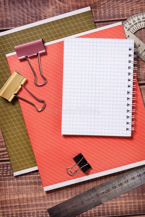 Download Artículos Para La Creatividad De Los Niños Imagen de archivo - Imagen de blank, niño: 42444481