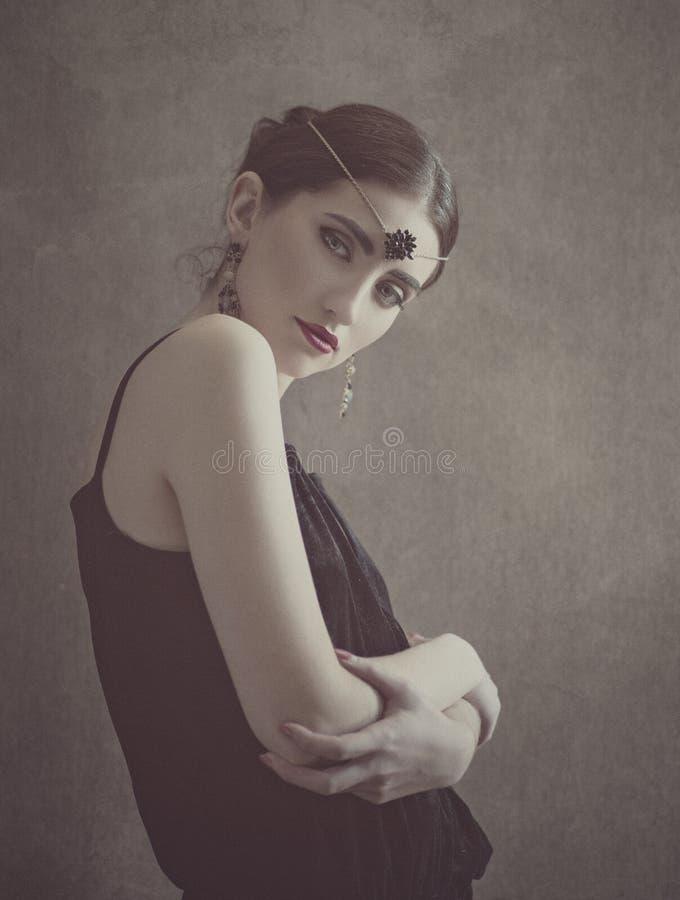 Art Beauty Retro- angeredetes weibliches Porträt lizenzfreie stockbilder