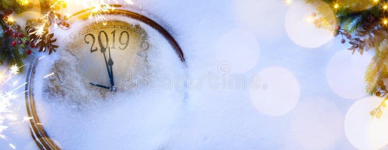 Art Christmas und 2019 guten Rutsch ins Neue Jahr Vorabendhintergrund lizenzfreies stockbild