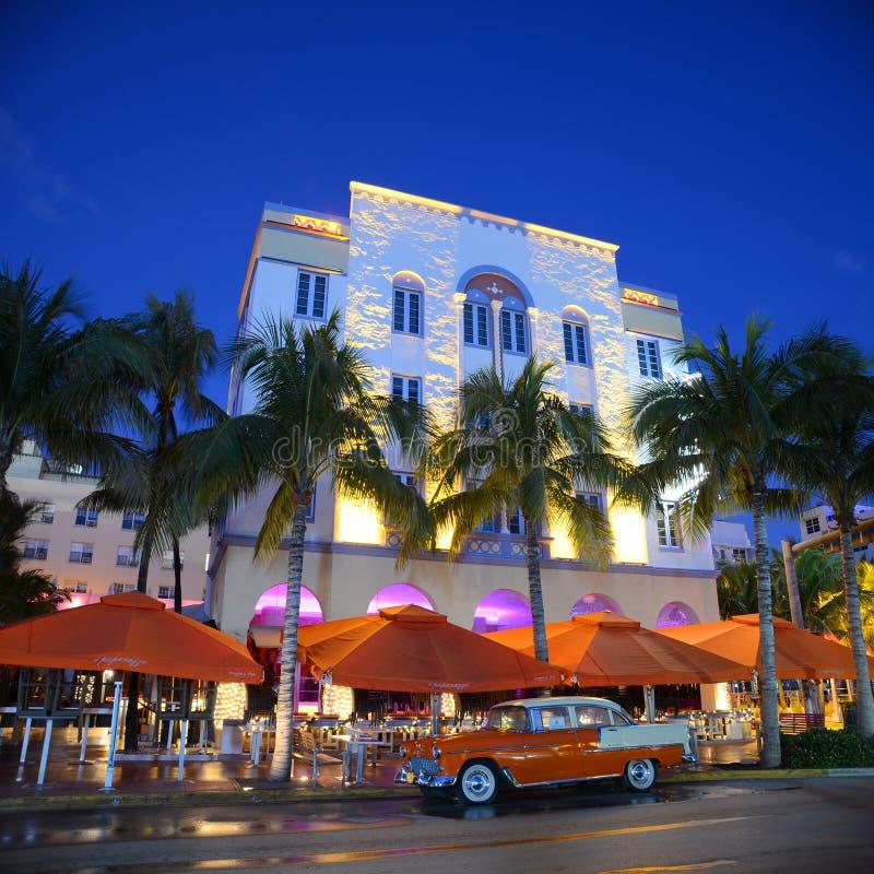 Art déco utformar Edison i Miami Beach fotografering för bildbyråer
