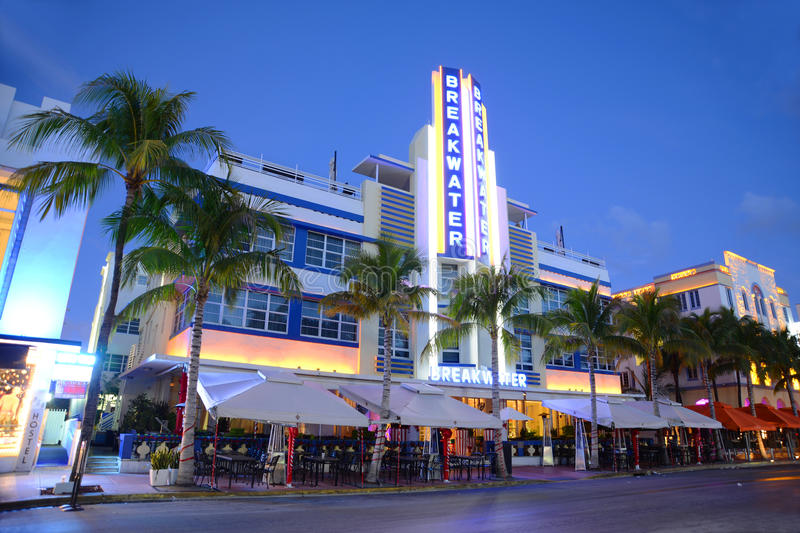 Art déco utformar vågbrytaren i Miami Beach royaltyfria bilder
