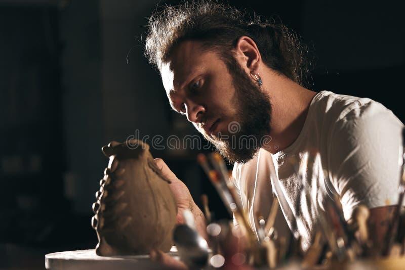 Art de poterie, produit d'argile, bâti image libre de droits