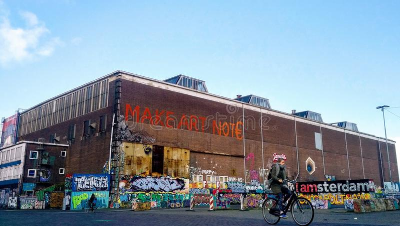 Art de rue dans le nord Amsterdam d'Amsterdam-Noord image stock