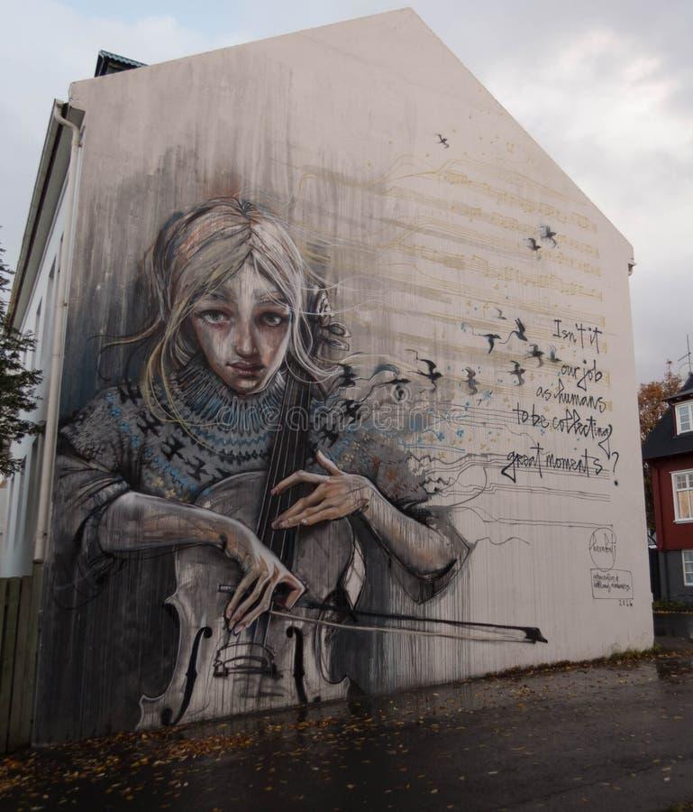 Art de rue, fille avec le violoncelle illustration libre de droits