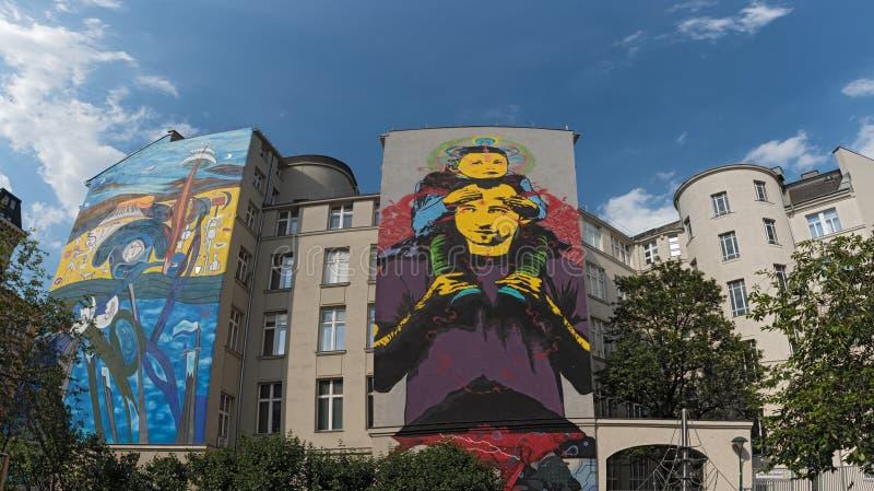 Art de rue sur un avant de maison à Vienne, 5ème secteur, Mariahilf, Autriche images libres de droits