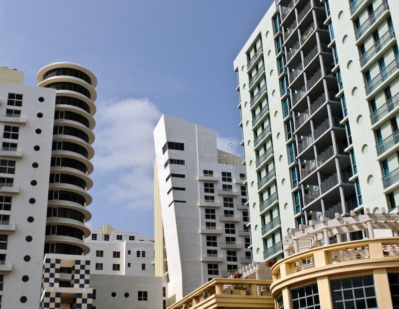 Art Deco Architecture Ocean Drive im Südstrand, Miami lizenzfreie stockfotografie