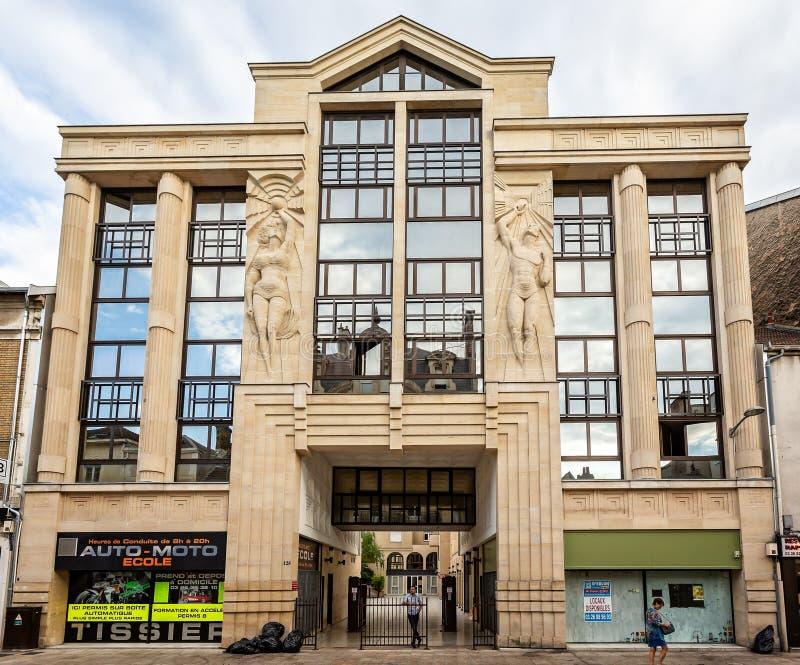 Art Deco budować brać w Reims obraz stock