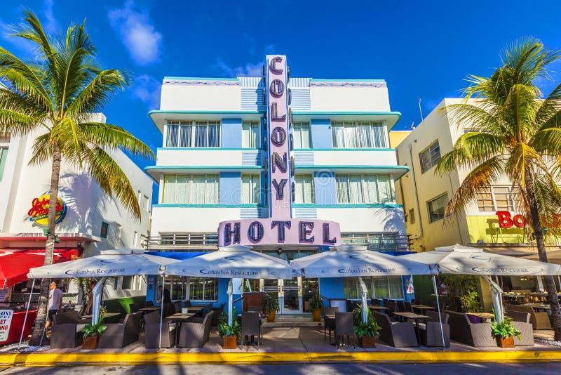 Art Deco koloni hotel przy ocean przejażdżką w Miami plaży fotografia royalty free