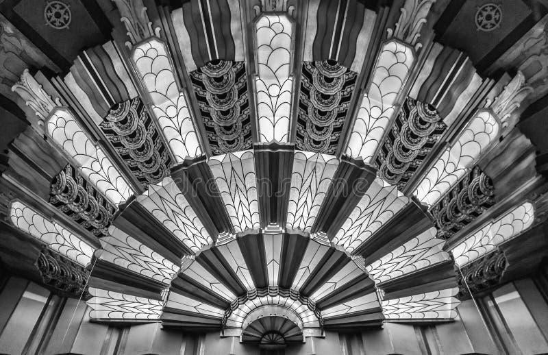 Art Deco Light på teatern royaltyfri foto