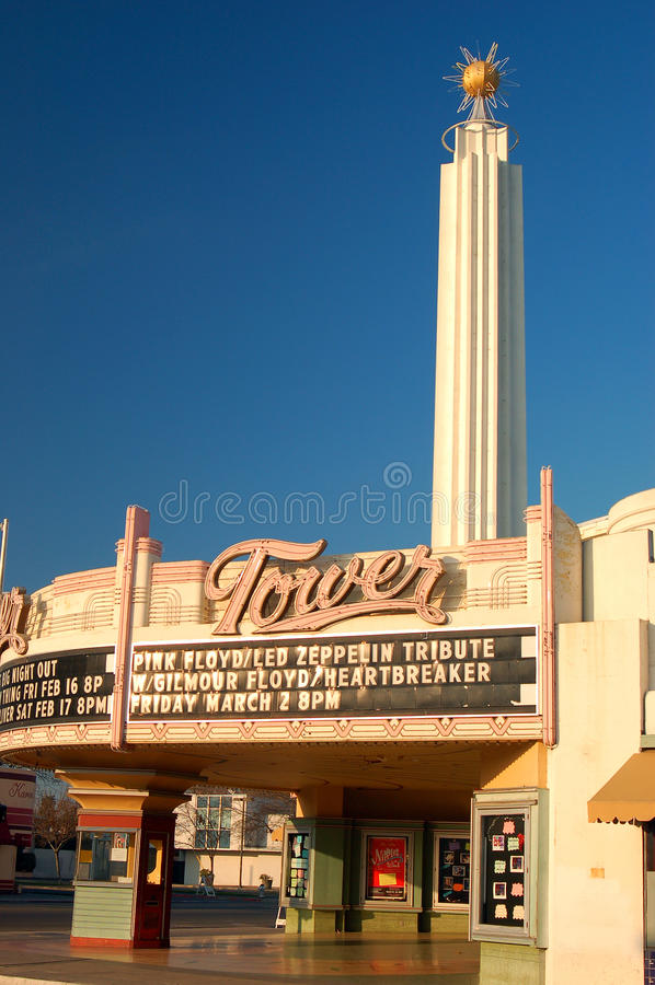 Art Deco Tower Theater histórico en Fresno, California foto de archivo libre de regalías