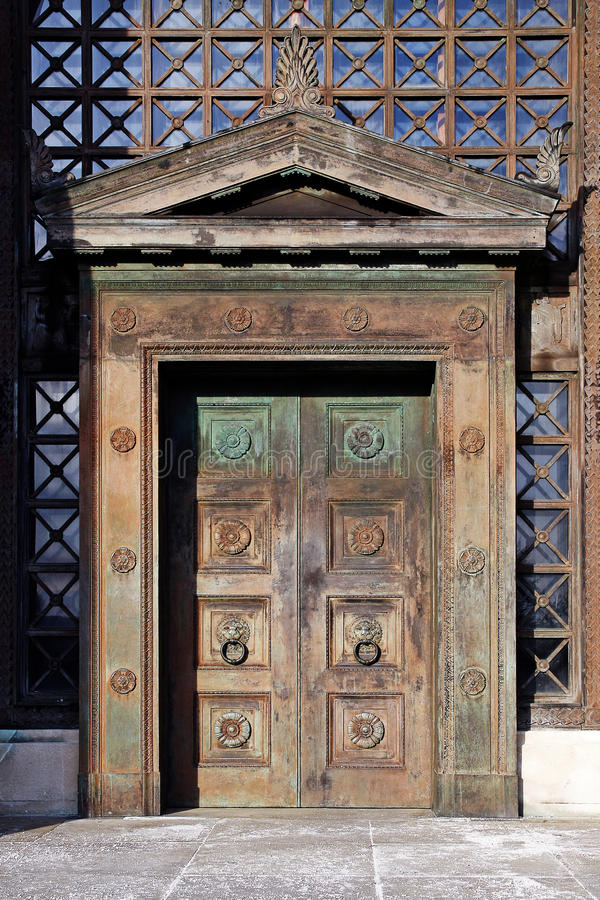 Free Art Deco Wooden Doors Royalty Free Stock Image - 30177926