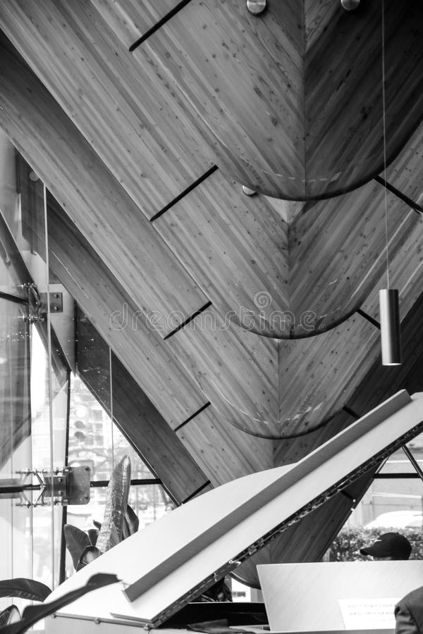 Art Design That Look Like intérieur unique l'épine d'un dinosaure à l'intérieur d'un bâtiment dans le Canada de Vancouver images stock