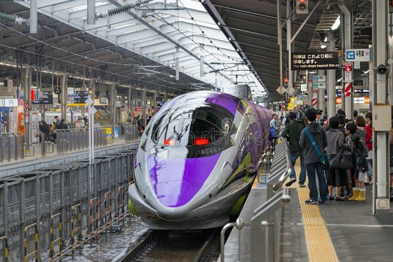 500 ART EVA, das Raumschiff-themenorientierte Shinkansen stockfotos