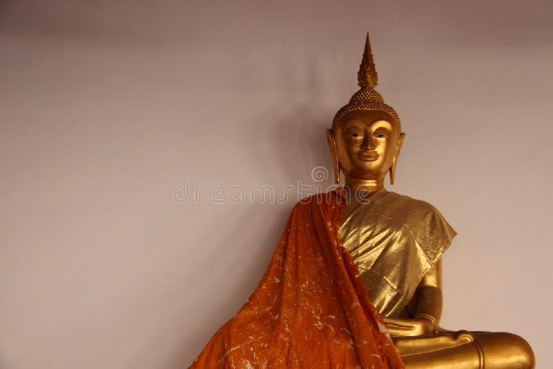 Art And Faith Um estilo local tailandês da Buda dourada fotos de stock