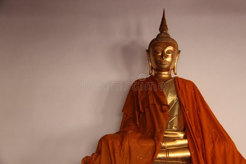 Art And Faith Uma Buda dourada imagem de stock