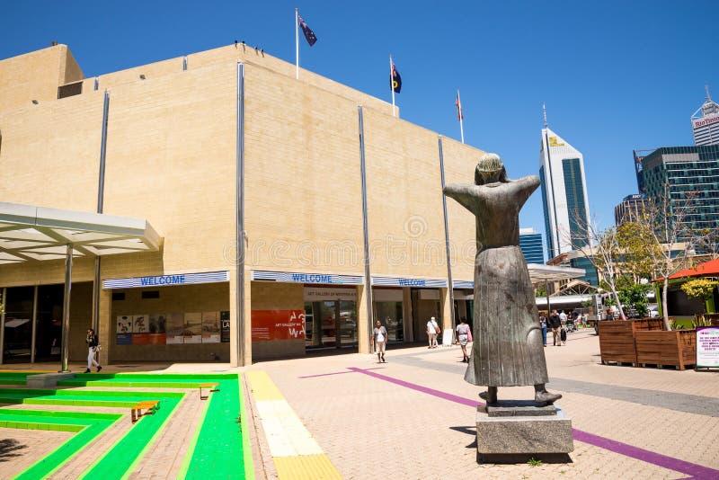 Art Gallery dell'entrata di WA e della scultura di arte davanti  fotografie stock libere da diritti