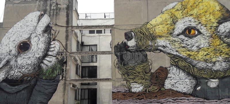 Art Graffiti em Cidade do México sob a estrada relacionou-se ao presidente esquerdista do partido em relação à luta da libertação fotos de stock