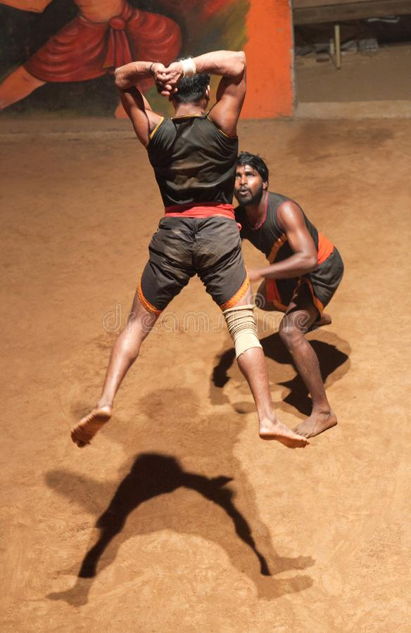 Art martial de Kalaripayattu au Kerala, Inde photos stock