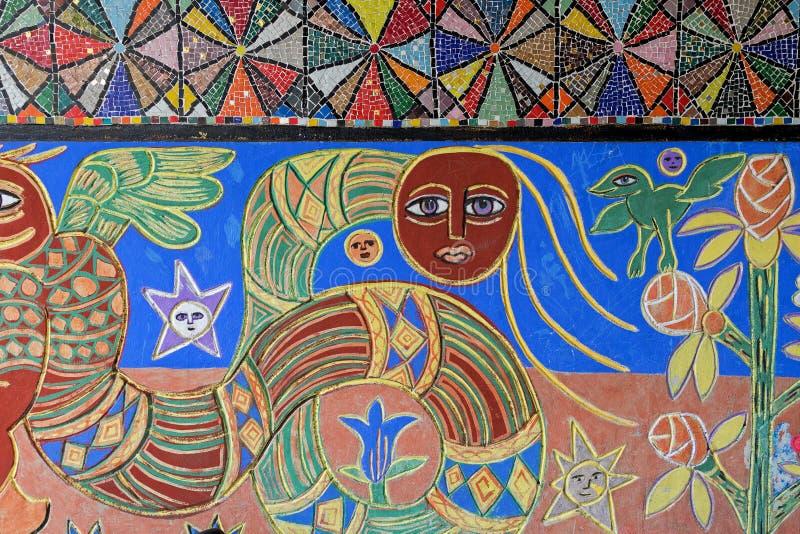 Art mural et peintures de mosaïque au mur de Station's de rue de Flinders images stock