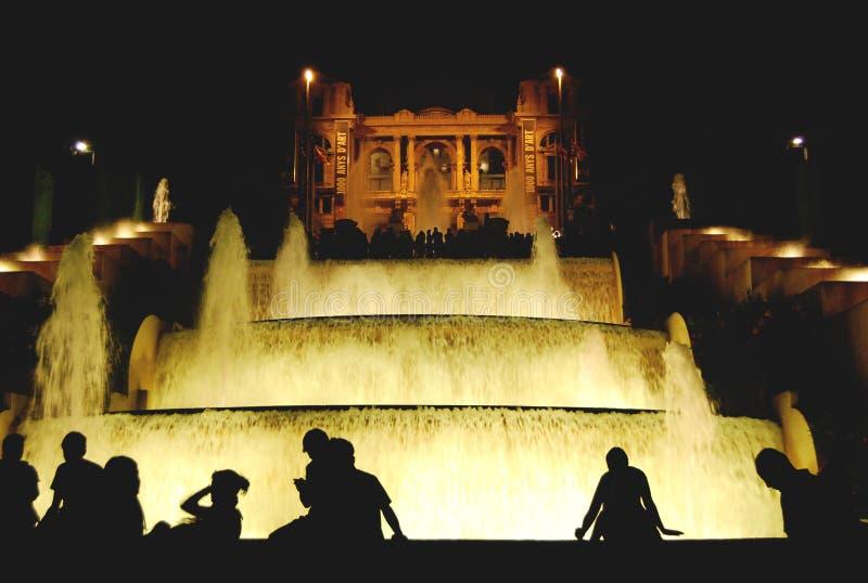 Art Museum com cascata da água imagens de stock