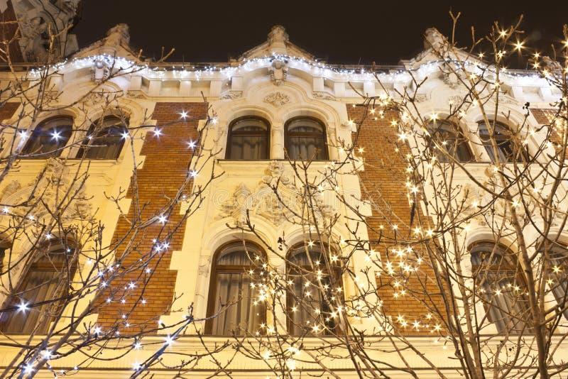 Art Nouveau - de eclectische stijlbouw met Kerstmisdecoratie stock afbeelding