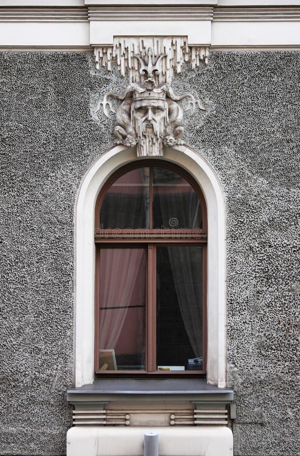 Art Nouveau-Fenster in Riga stockfotografie