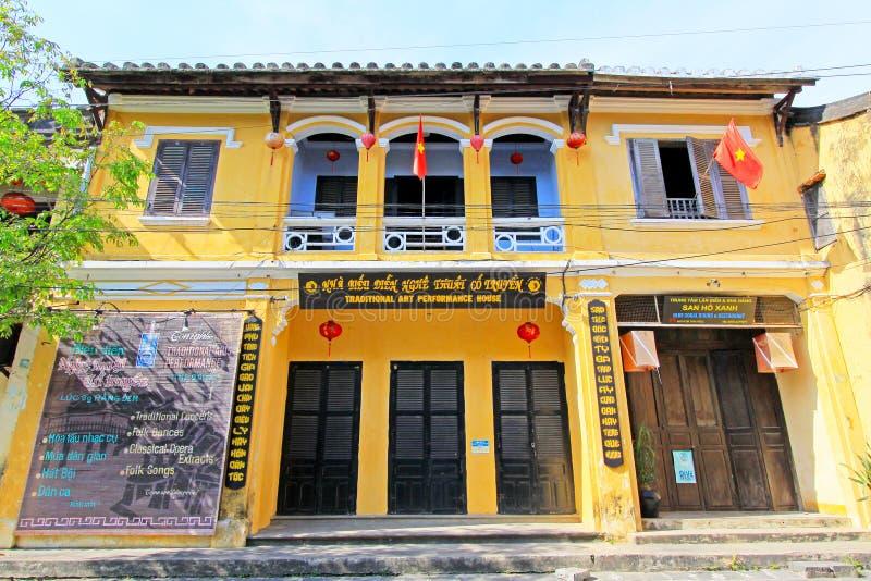 Art Performance House In Hoi tradicional, patrimônio mundial do UNESCO de Vietname foto de stock