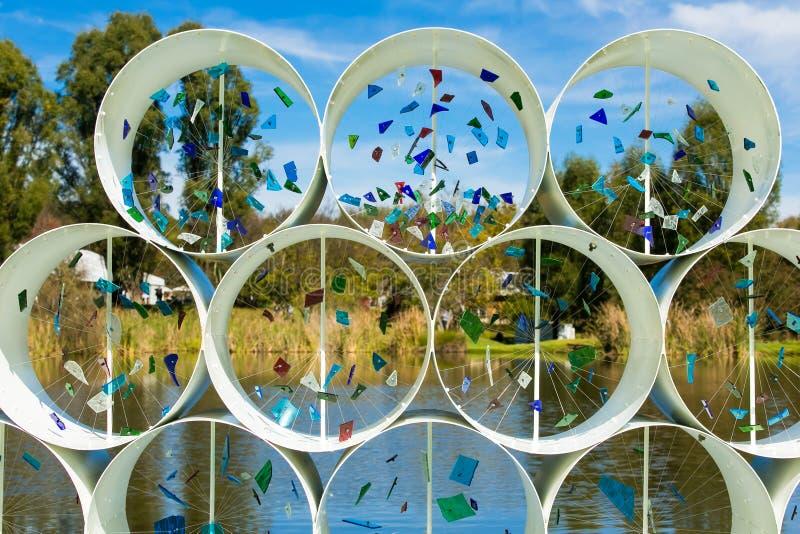Art Sculpture Exhibition exterior no parque de Nirox foto de stock