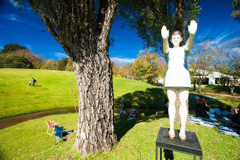 Art Sculpture Exhibition exterior no parque de Nirox foto de stock royalty free