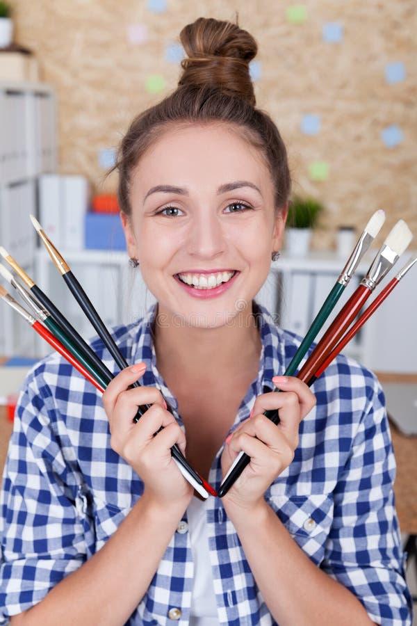 Download Art Teacher photo stock. Image du beau, mignon, beauté - 76077844