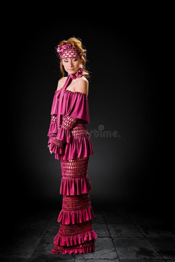 Art und Weisebaumuster in einem stilvollen Kleid stockfoto
